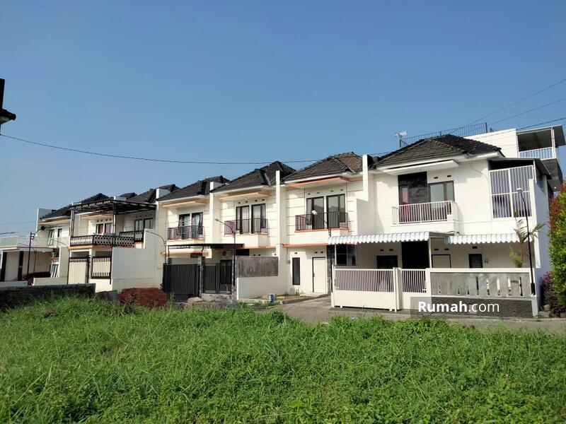 Rumah Di Dekat Banyak Kampus Ternama Dan Tempat Bisnis #105836586
