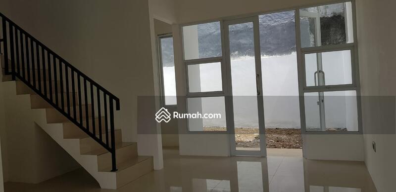Rumah Taman Pajajaran #104415290