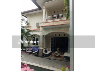 Dijual - Rumah style villa