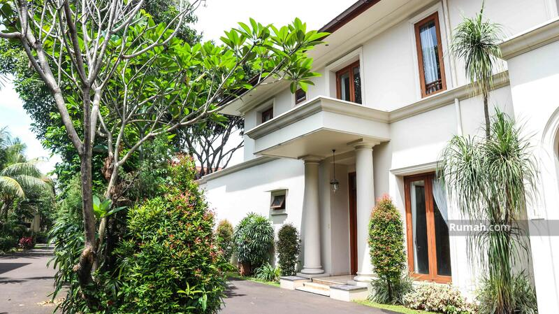 Rumah Lega Disewakan di Jl Benda Jakarta Selatan Dekat ke Kemang #104443102