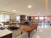 Dijual - Rumah Dalam Townhouse 5 Kamar Tidur Lokasi Prime Area Cipete Jakarta Selatan