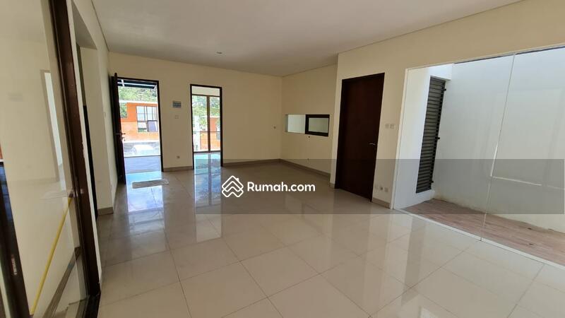 DIJUAL CEPAT Rumah modern Minimalis Terawat 2,5M Nego #104543894