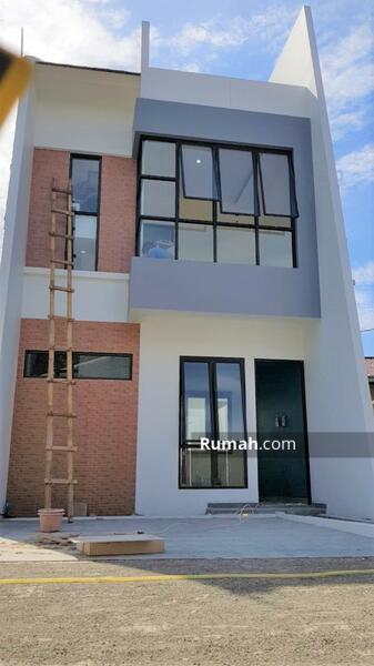 Hunian 2,5 Lantai di Belakang Kampus UI Harga Low Budget Lokasi dekat Tol Beji Kukusan #104562766