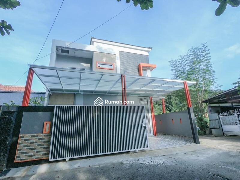 Di jual Rumah 2lantai, di pusat Kota Subang, Sangat Strategis dekat tol Subang, Tol Cikopo Palimanan #104667796