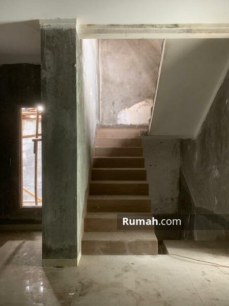 Rumah puricinere #104727816