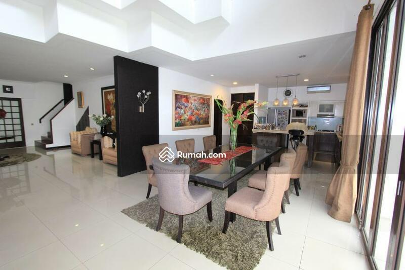 Dijual Rumah Nyaman, Siap Huni Area Strategis di Pondok Indah Jakarta Selatan #104727868