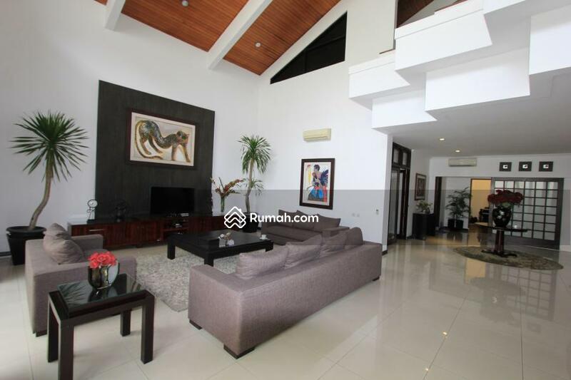 Dijual Rumah Nyaman, Siap Huni Area Strategis di Pondok Indah Jakarta Selatan #104727874