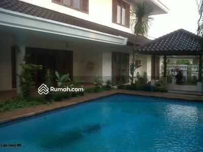 Dijual - Dijual Rumah Mewah Langka. Rumah besar di area townhouse Villa Palma Redidence