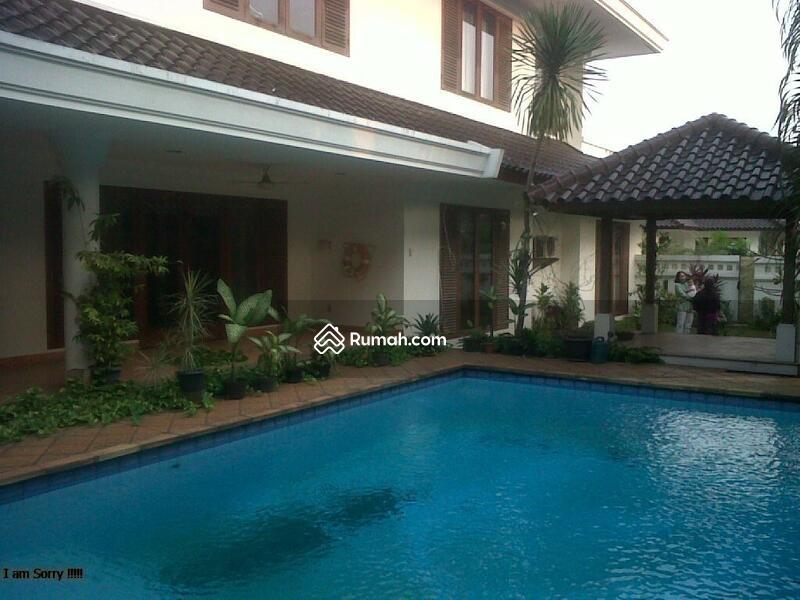 Dijual Rumah Mewah Langka. Rumah besar di area townhouse Villa Palma Redidence #104729248
