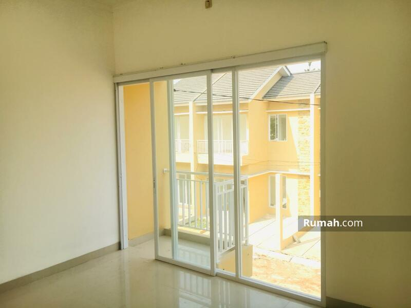 Rumah 2 Lantai 3 Kamar Bsd Gading Serpong 490 Jutaan #104846166