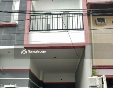 Dijual - Tanjung Duren, Grogol, Slipi, Jakarta Barat -  Rumah Murah 3 Lantai Jalan 2 Mobil Dekat CP