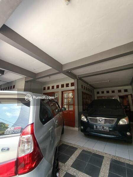 Rumah Secondary Berdempetan Dalam Komplek Area Klender Jakarta Timur. #104966238