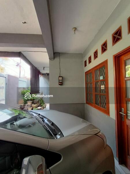 Rumah Secondary Berdempetan Dalam Komplek Area Klender Jakarta Timur. #104966254