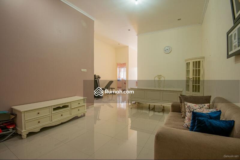 Rumah Bagus 2 Lt lokasi istimewa, nyaman dan aman di area Siaga, Pejaten Barat, Jakarta Selatan #104972430