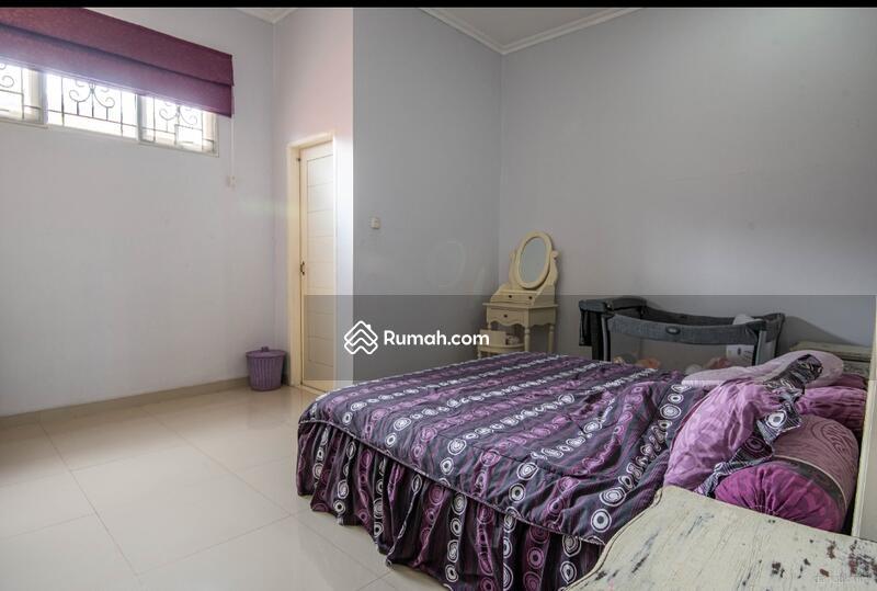 Rumah Bagus 2 Lt lokasi istimewa, nyaman dan aman di area Siaga, Pejaten Barat, Jakarta Selatan #104972432