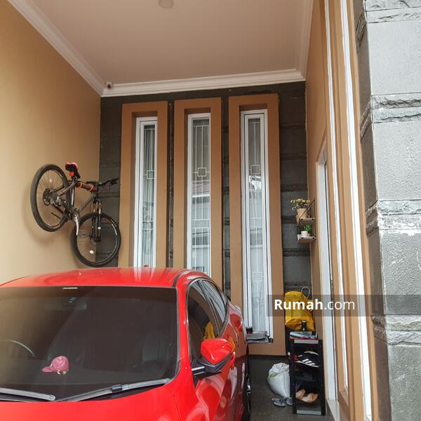 Dijual Rumah Dekat Jalan Tol kebon jeruk dan gedung RCTI lokadi strategis daerah kebon jeruk jakarta #105058018