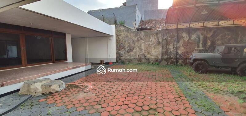 Disewakan Bangunan Komersial Jalan Kartini Lokasi Strategis Pusat Kota. Cocok untuk Segala Usaha LT #105114824