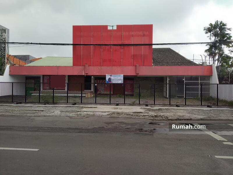 Disewakan Bangunan Komersial Jalan Kartini Lokasi Strategis Pusat Kota. Cocok untuk Segala Usaha LT #105571950