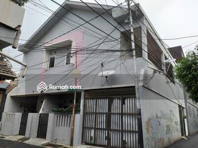 Dijual - Tebet - Rumah Kos Di Tebet bisa dibangun ulang untuk tinggal 17 juta permeter