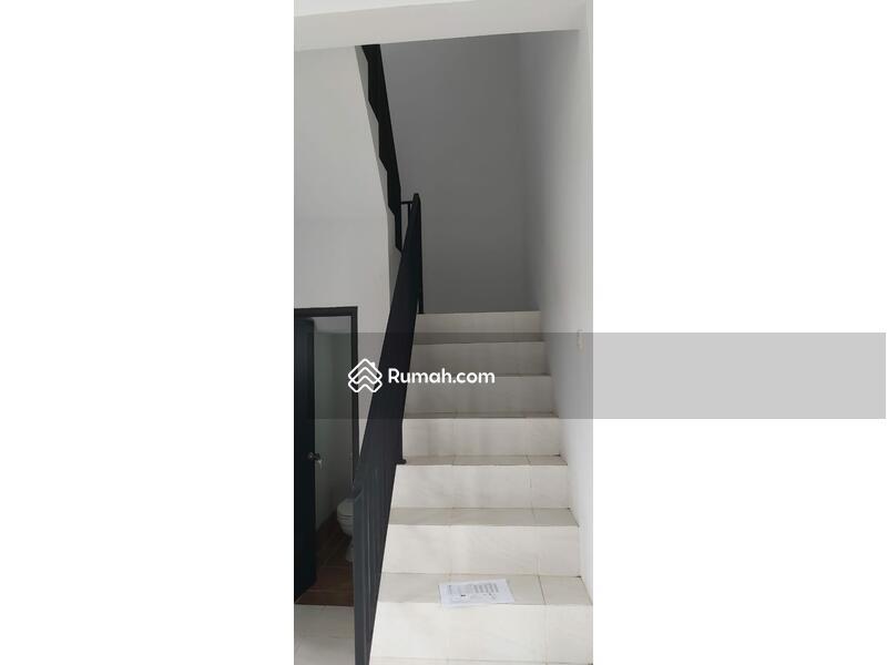 Hunian mewah dikawasan elite 2 lantai harga 1 lantai anti banjir #105179016