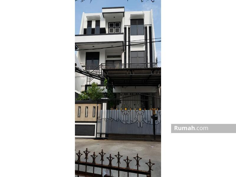 Rumah 3 Lantai 3 Kamar Tidur di Daan Mogot, JakBar #105180680