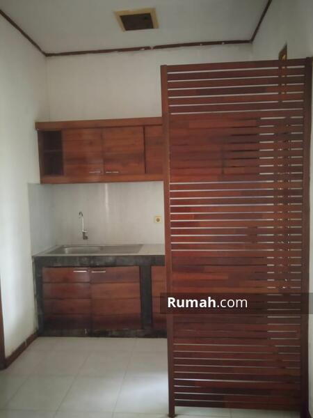 Dijual Rumah Induk dan Rumah Kosan di kawasan Griya Loka - BSD #105181290