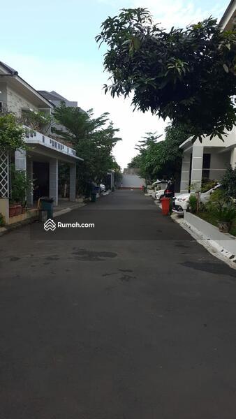 Dijual Rumah Bagus Dalam Perumahan Di Jagakarsa, Lingkungan Tenang, Asri #105182650