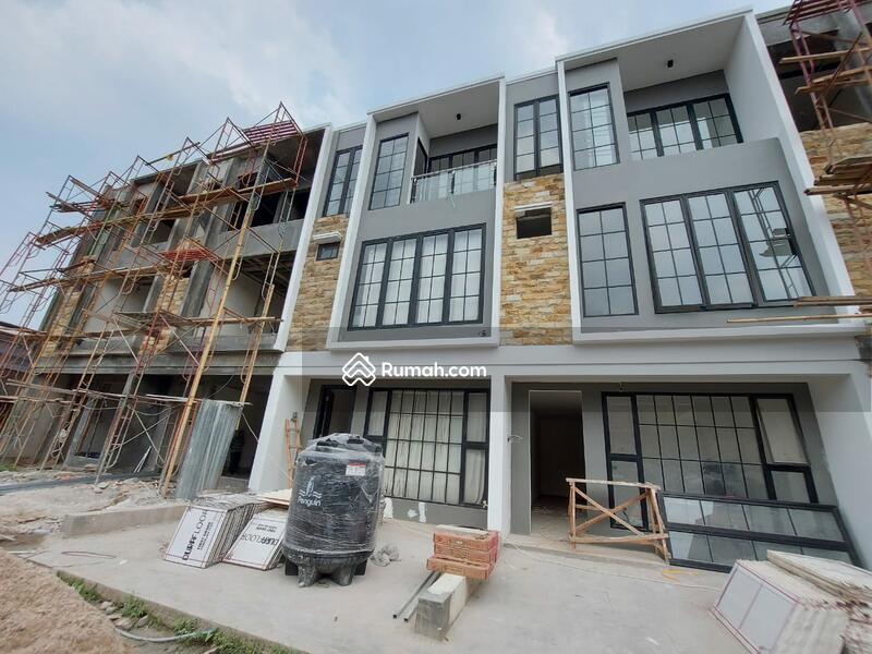 Brand New Rumah Modern Minimalis Siap Huni di Tebet #105187386