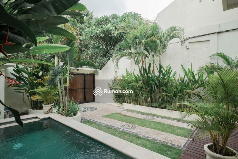 3 Bedroom Villa in Seminyak, Close to Double Six Beach Quite Location #105190358
