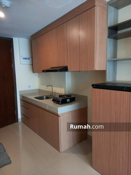 kitchen set ( komor, cooker hood, kulkas)