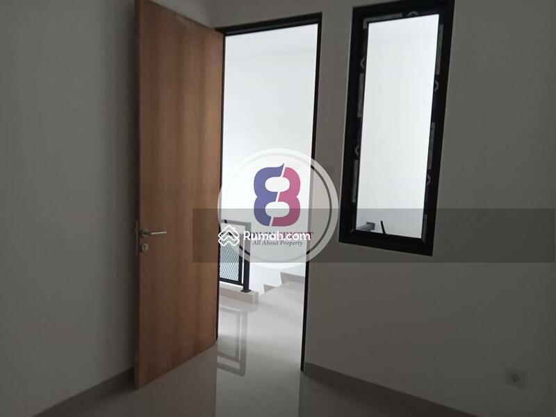 Rumah Dijual BRAND NEW di Area Bintaro Sektor 9 Exclusive Design Milenial Dengan Kolam Renang #105194748