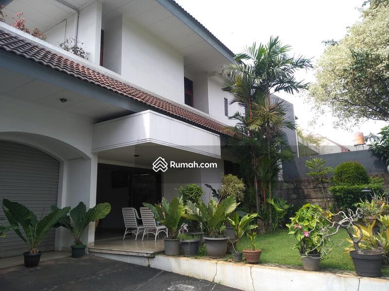 Rumah 2 Lantai Hunian Nyaman Dan Asri Di pondok Indah Jakarta Selatan #105196110