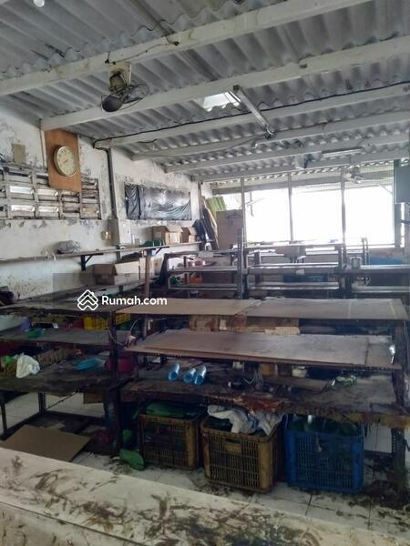 Dijual Bangunan ex-Pabrik Sandal Sepatu posisi pabrik masih jalan & Kerja #105196420