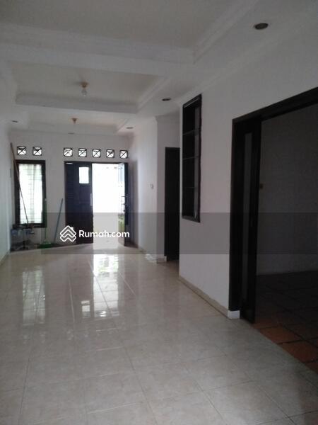 Di Jual Rumah Bagus 2 Lantai Lokasi Sangat Strategis Graha Raya Bintaro jaya #105198248