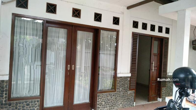 Di Jual Rumah Bagus 2 Lantai Lokasi Sangat Strategis Graha Raya Bintaro jaya #105198360
