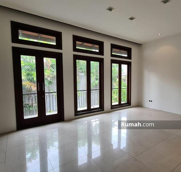 Dijual Rumah Siap Huni di Graha Family Minimalis Cluster Elit Surabaya #105200530