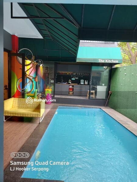 Dijual rumah sudah renovasi di The Icon BSD, ada kolam renang. #105200580