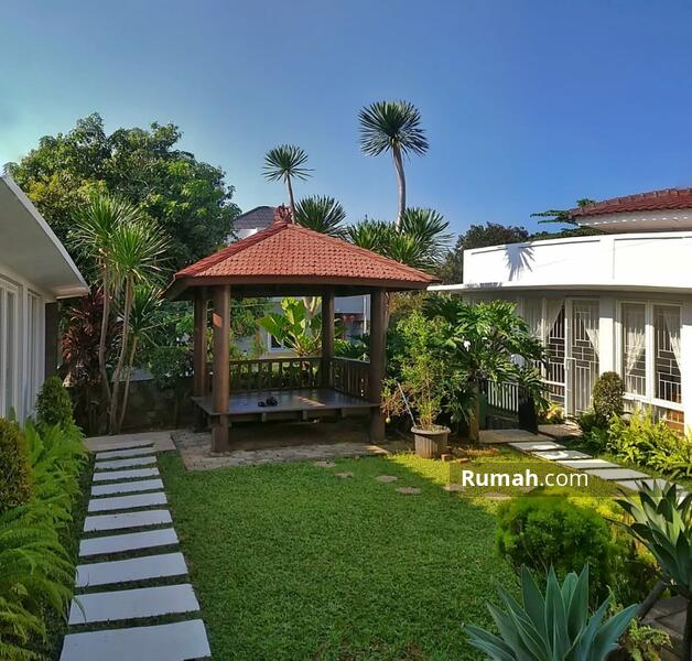 Di Jual RUMAH MEWAH Klasik MODERN Lokasi Nyaman strategis Di Bintaro Jaya #105201568