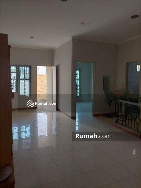 Rumah Cantik Daerah Jelambar, Jakarta Barat #105203368