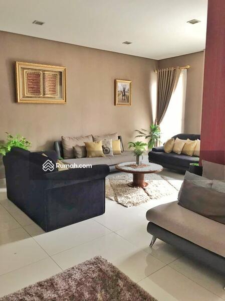 Rumah di jual, cantik dan strategis #105205398