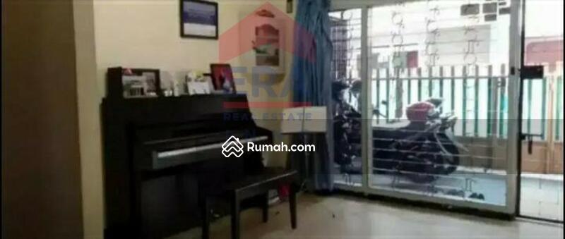 Rumah Masuk Mobil Di Sayap Andir Sudirman #105207062