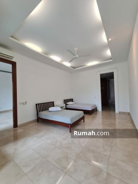 Rumah Mewah Bergaya Tropical Resort Di Cipete Jakarta Selatan #105207938