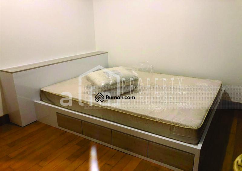 Disewakan Apartemen Residence 8 3BR luas 153m2 Fully Furnished #105208966