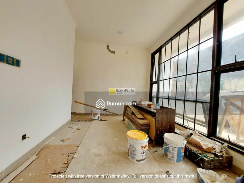 Rumah Brand New Modern Minimalis Dalam Town House Di Tebet #105209174