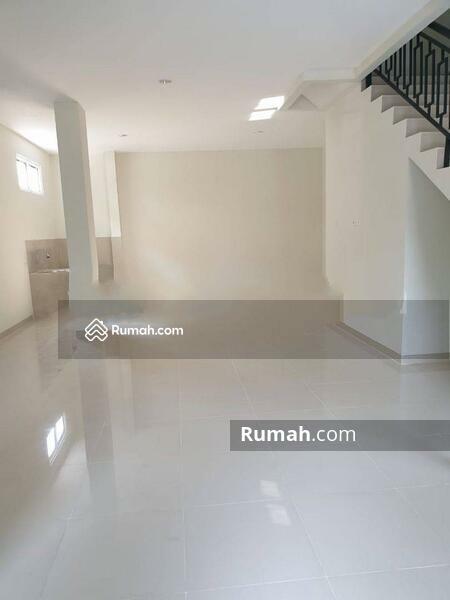 Rumah Hoek Baru Muara Karang #105210144