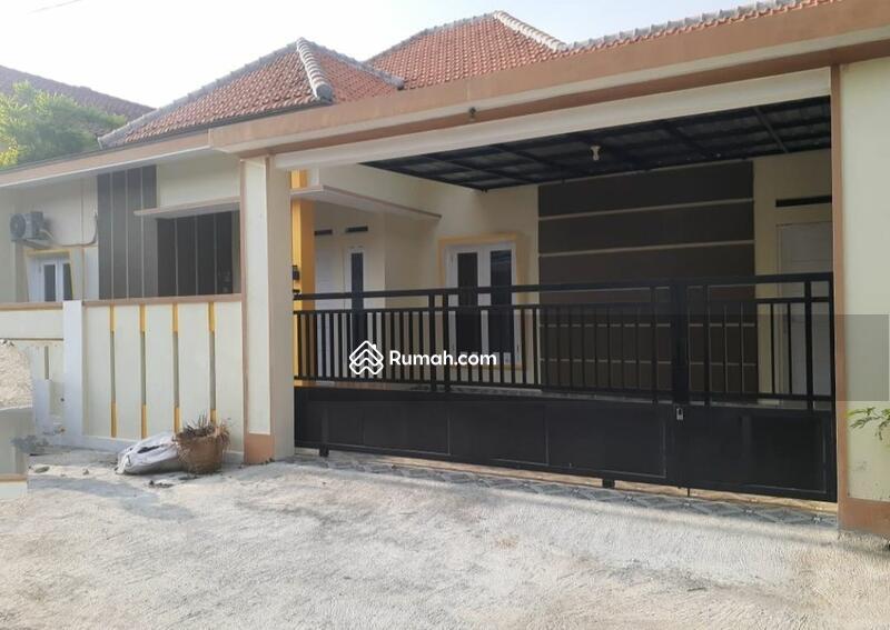 Rumah Bagus Fasilitas Kolam Renang di Mojosongo Jebres #105210484