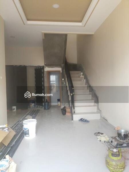 Rumah baru Bulevard Hijau di Harapan Indah Bekasi #105212182