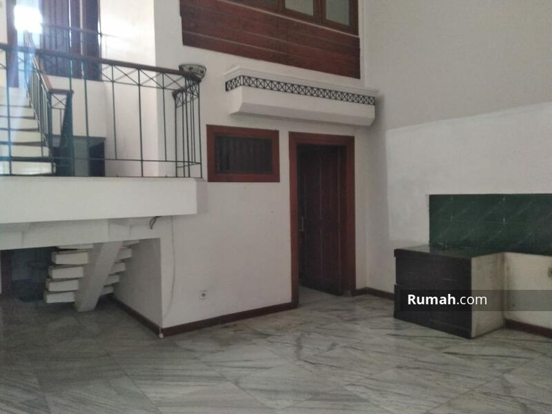 BU Rumah 2.5 Lantai di Kelapa Gading Jakarta Utara #105213648