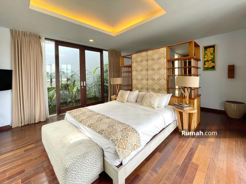 Minimalist Modern Villa with Ocean View and Airport View #105217074
