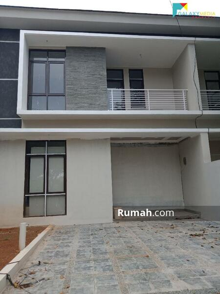 Dijual Cepat Rumah 2 Lantai Siap huni Lokasi strategis di Ciangsana Dekat Kota Wisata cibubur #105218860
